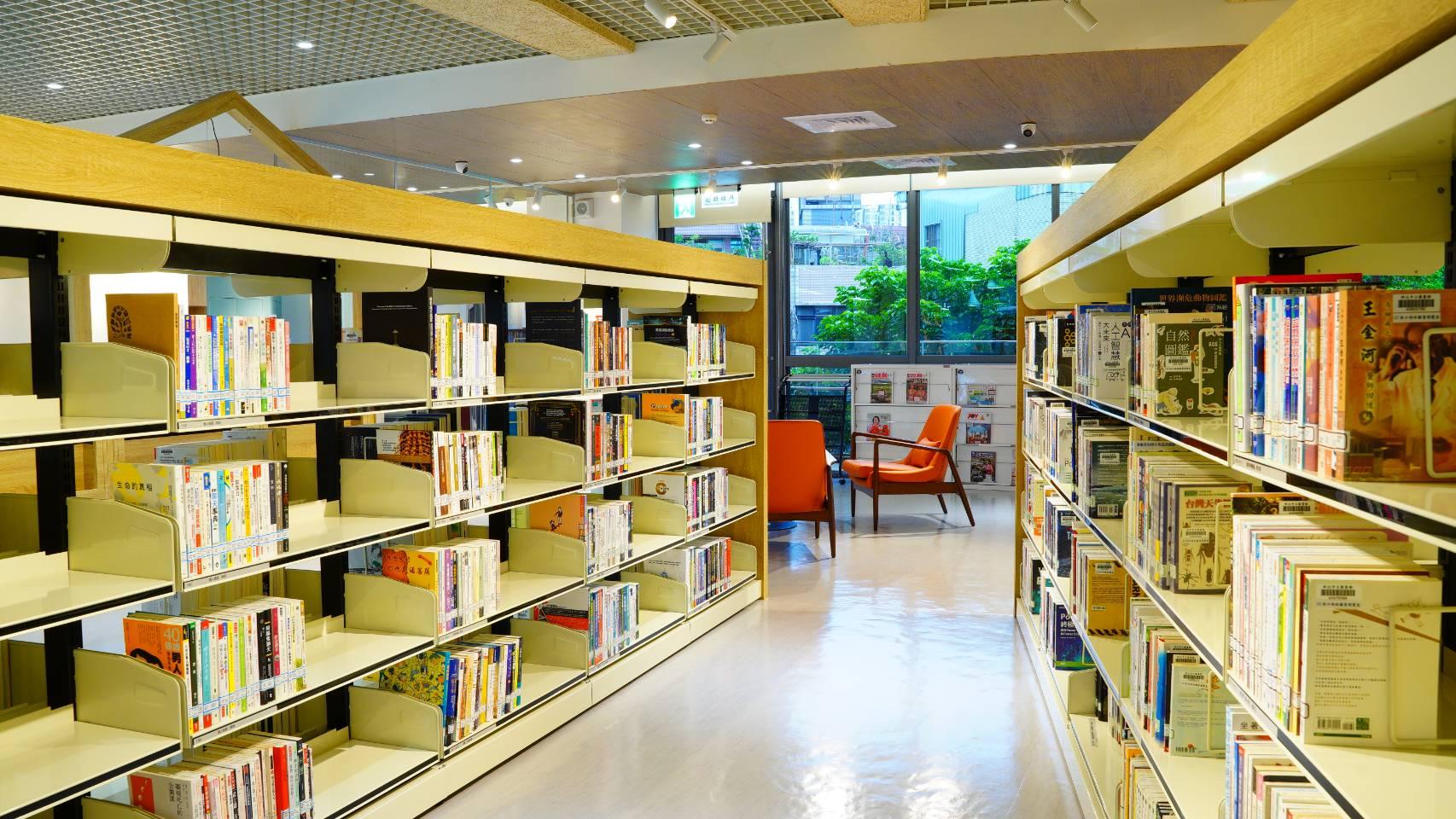 林口西林圖書閱覽室-書架